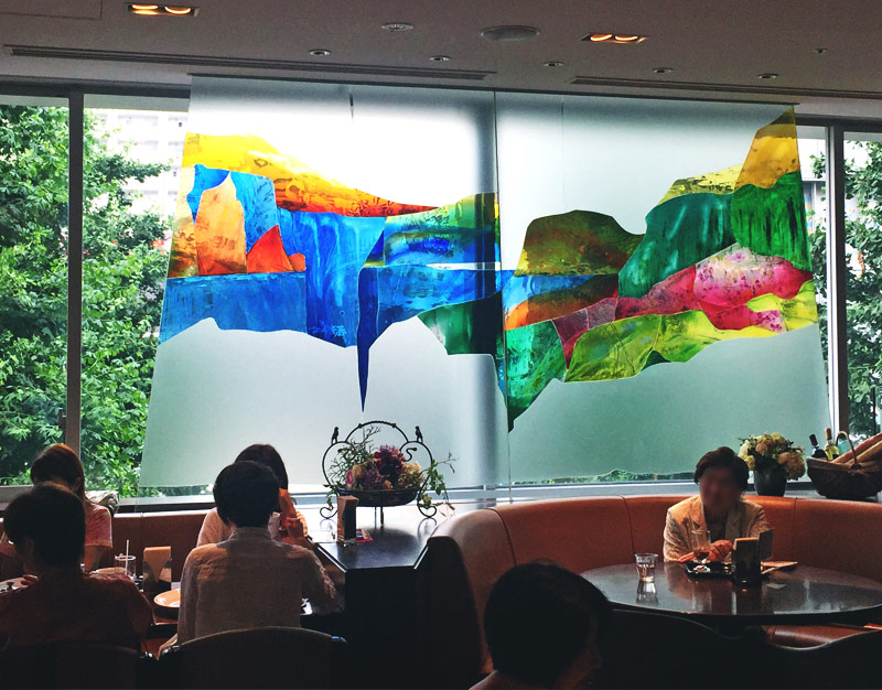 The glass windows made for Aichi Expò 2005 installed in one of Matsuzakaya's restaurants.